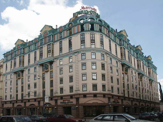 Mariott Grand Hotel (Moscow) - Air Condensers  LU-VE EAV9N 6241 8VENT – 4 pcs.