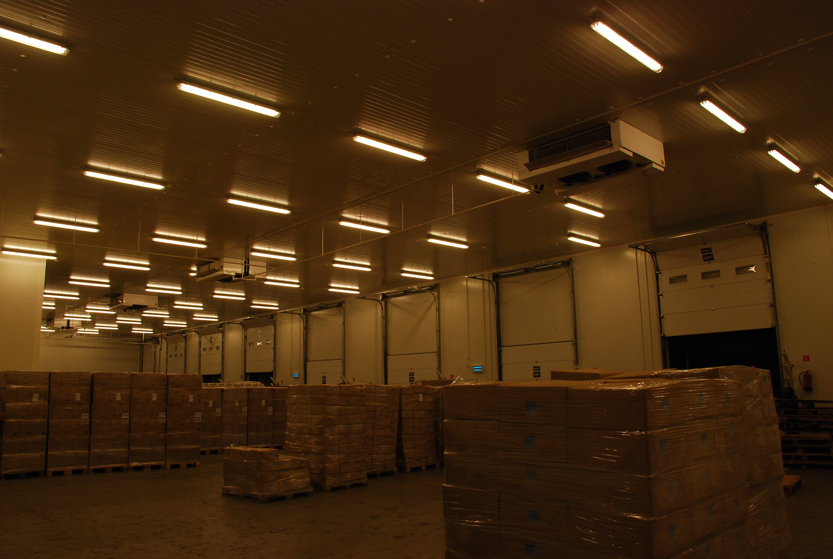 Pago sorting room - Katowice - 4 HDI dual discharge evaporators 