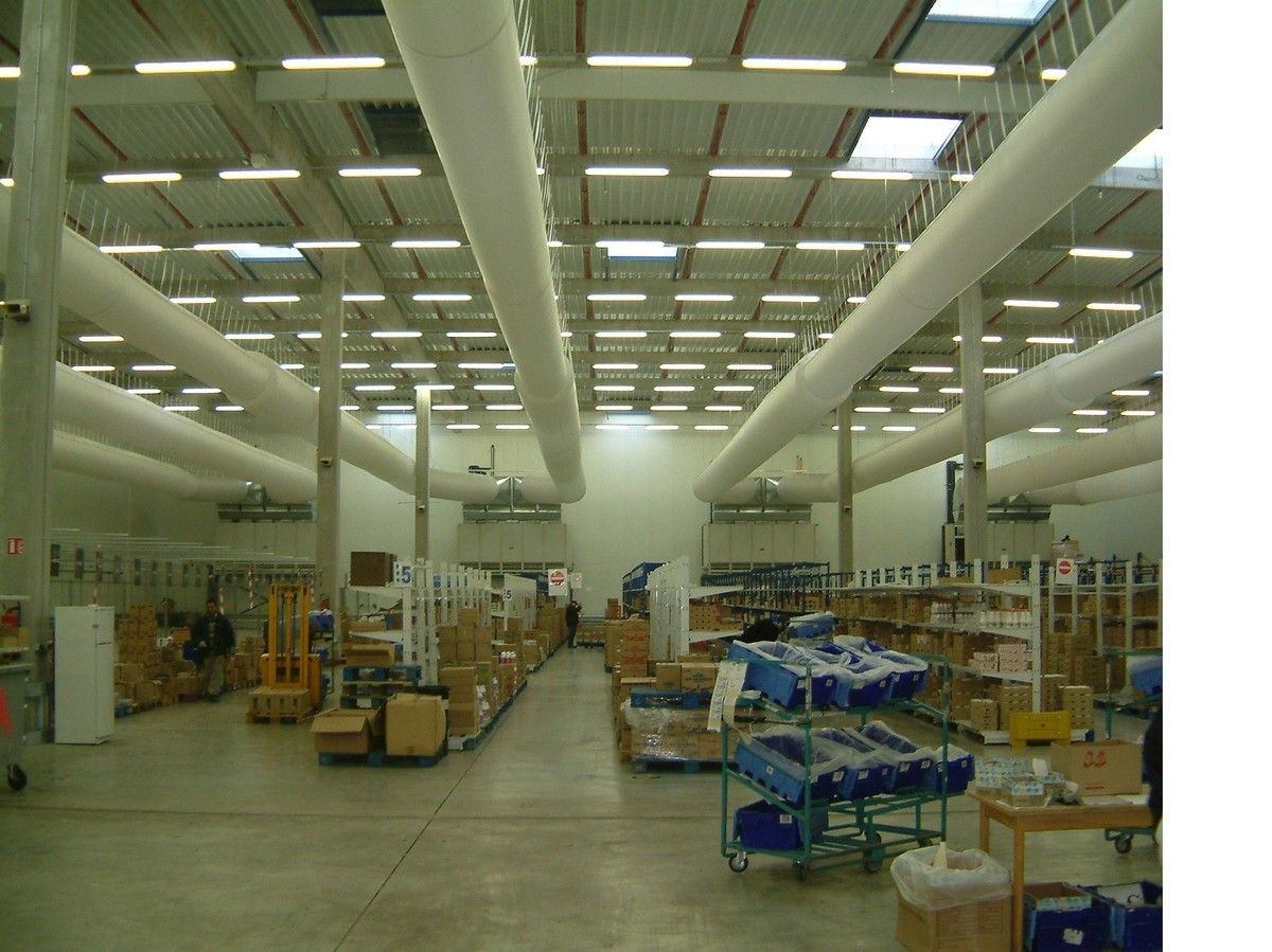 CARREFOUR - Royssy-en-France - Paris - France. On-line Supermarket - fresh packed food - CHIL 5000 centrifugal unit coolers
